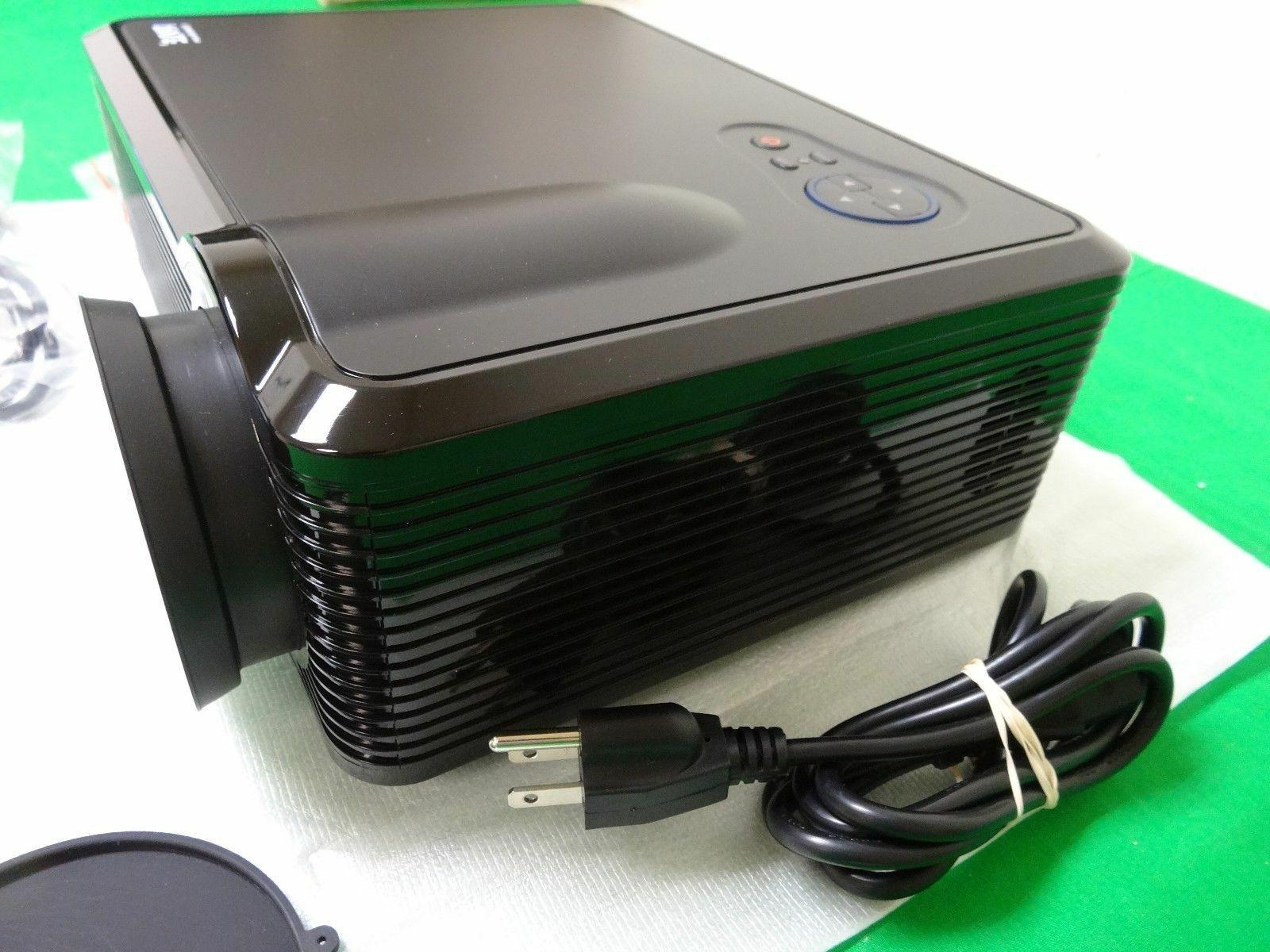 Pyle Projector w/Builtin Stereo -*Z2*